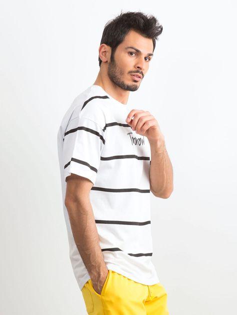 Biały męski t-shirt w paski                              zdj.                              3