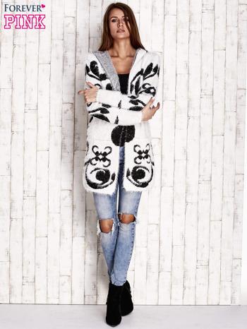 Biały otwarty sweter z kapturem                                  zdj.                                  2