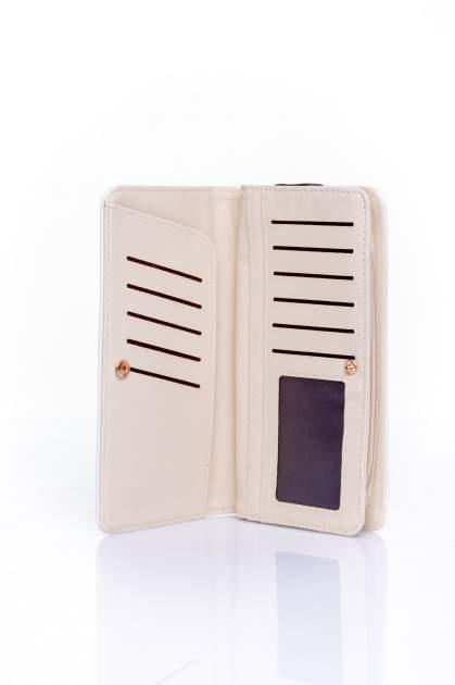 Biały pikowany portfel z kwiatowym tłoczeniem                                  zdj.                                  4