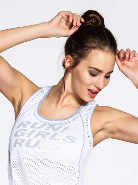 Biały siatkowy top sportowy z napisem RUN GIRLS RUN                                  zdj.                                  4