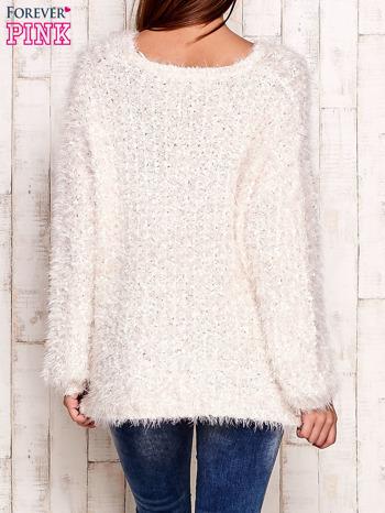 Biały sweter long hair                                  zdj.                                  2