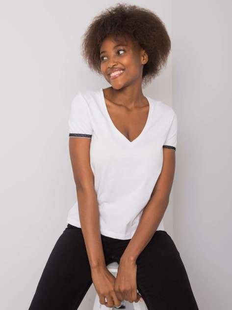 Biały t-shirt V-neck Kiarra NIE ZNASZ MNIE
