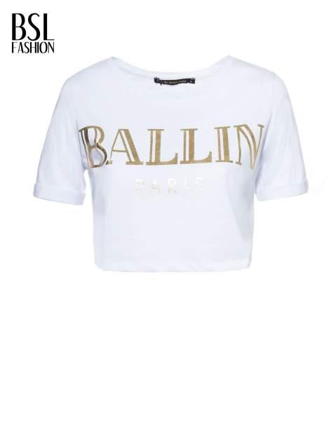 Biały t-shirt typu crop top ze złotym napisem BALLIN PARIS                                  zdj.                                  2