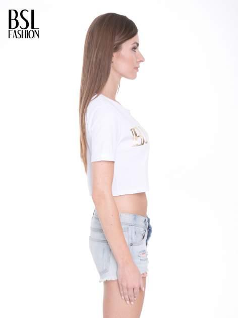 Biały t-shirt typu crop top ze złotym napisem BALLIN PARIS                                  zdj.                                  3