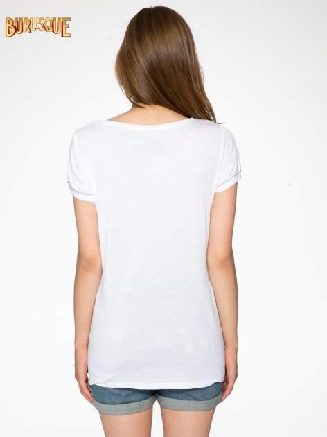 Biały t-shirt z błyszczącym numerem 1983                                  zdj.                                  4