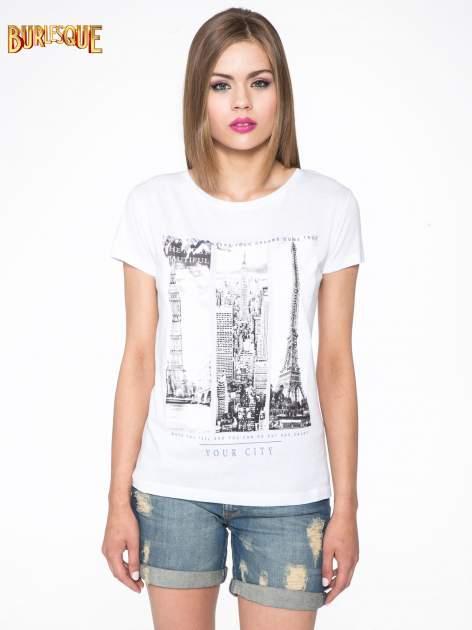 Biały t-shirt z fotografiami miast                                  zdj.                                  10