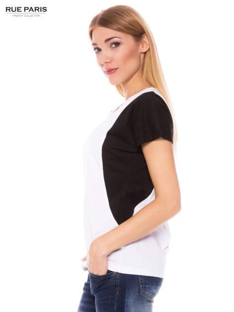 Biały t-shirt z kontrastowymi wstawkami na ramionach                                  zdj.                                  2