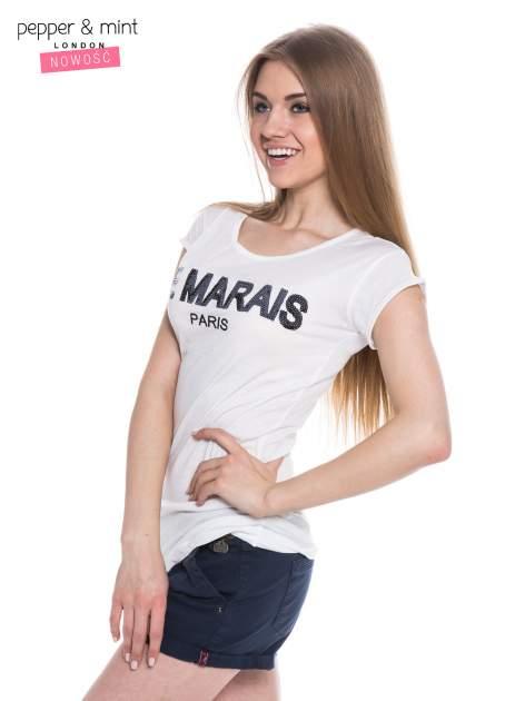 Biały t-shirt z nadrukiem LE MARAIS                                  zdj.                                  3