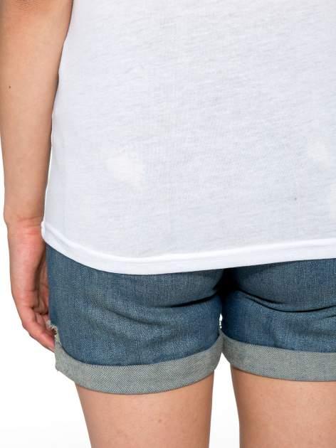 Biały t-shirt z nadrukiem NEW YORK 55 i siatkowymi rękawami                                  zdj.                                  10