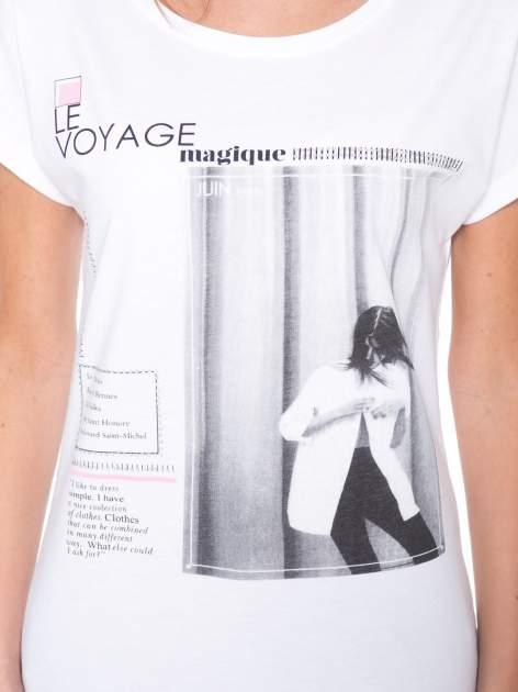 Biały t-shirt z nadrukiem fashion                                  zdj.                                  6