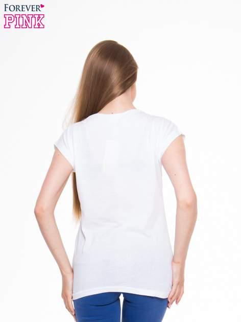 Biały t-shirt z nadrukiem lamparta                                  zdj.                                  3