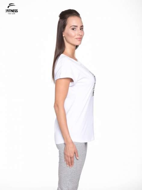 Biały t-shirt z nadrukiem tekstowym YOU CAN'T STOP ME                                  zdj.                                  3
