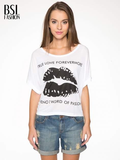 Biały t-shirt z nadrukiem ust i napisem TRUE LOVE                                  zdj.                                  1