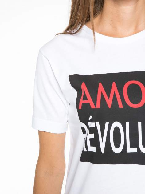 Biały  t-shirt z napisem AMOUR RÉVOLUTION                                  zdj.                                  6