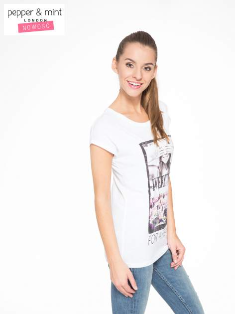 Biały t-shirt z napisem EVERYTHING HAPPENS FOR A REASON                                  zdj.                                  2