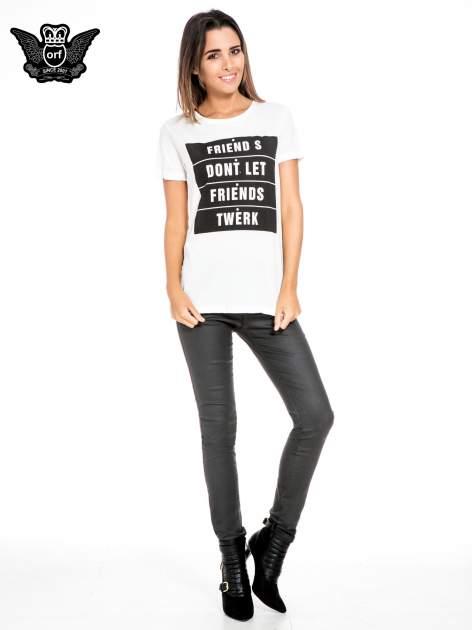 Biały t-shirt z napisem FRIENDS DON'T LET FRIENDS TWERK
