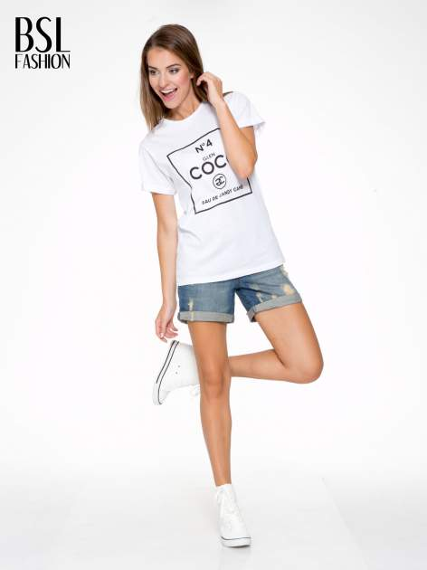 Biały t-shirt z napisem Nº4 COCO                                  zdj.                                  5