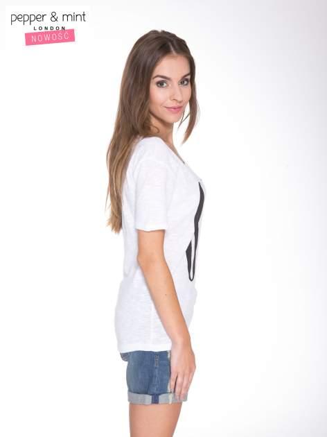 Biały t-shirt z napisem OK                                  zdj.                                  3