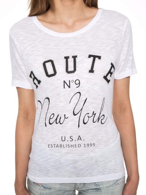 Biały t-shirt z napisem ROUTE NEW YORK                                  zdj.                                  7