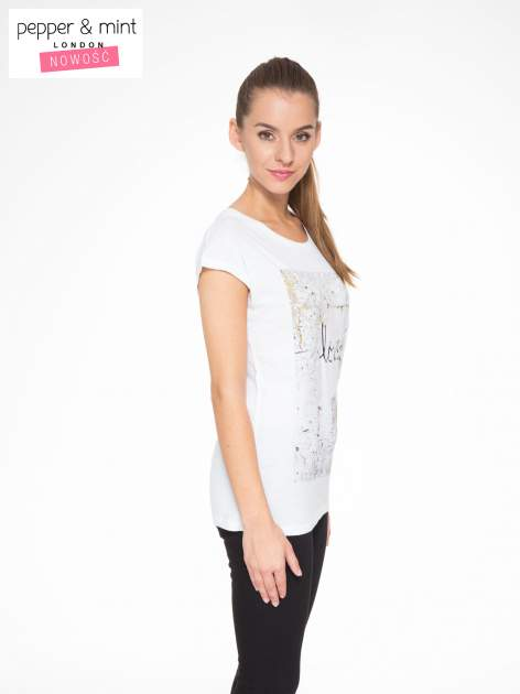 Biały t-shirt z napisem SHE LOVED                                  zdj.                                  3