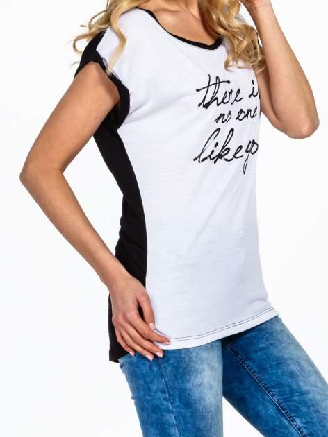 Biały t-shirt z napisem THERE IS NO ONE LIKE YOU                                  zdj.                                  5