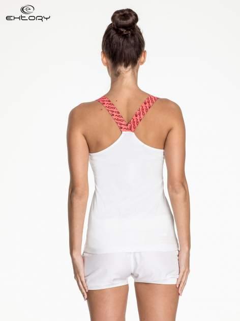 Biały top sportowy z różowymi ramiączkami na krzyż                                  zdj.                                  4