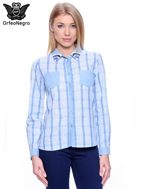 Błękitna koszula w kratę z biżuteryjnym kołnierzykiem                                  zdj.                                  1