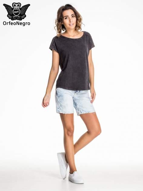 Błękitne jeansowe szorty z dłuższą nogawką                                  zdj.                                  6