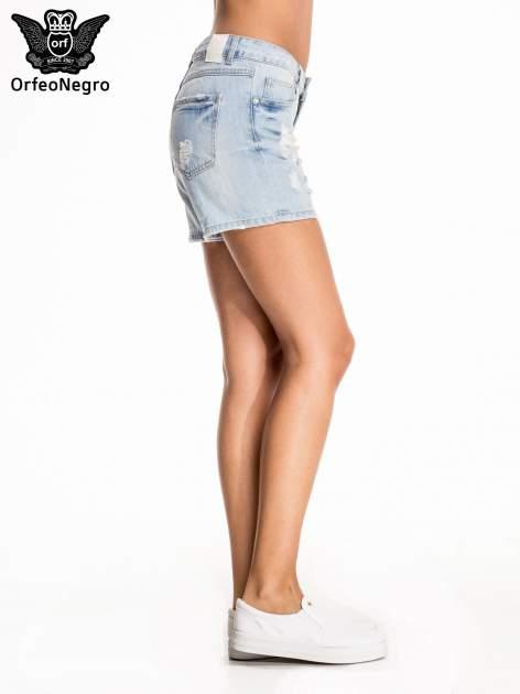 Błękitne jeansowe szorty z przetarciem                                  zdj.                                  5