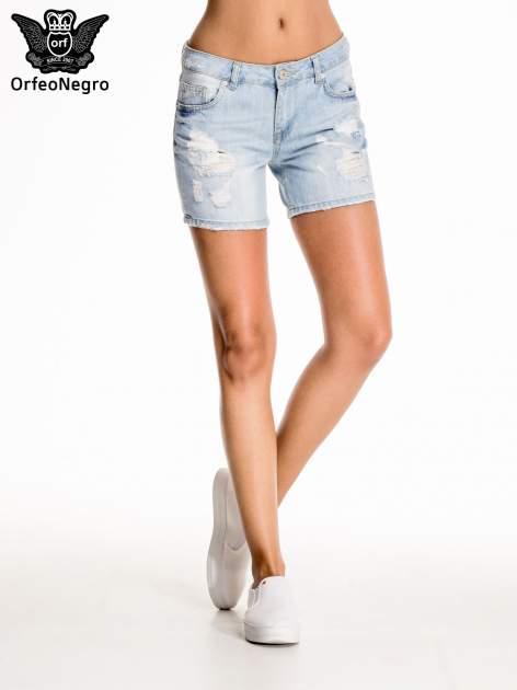 Błękitne jeansowe szorty z przetarciem                                  zdj.                                  3