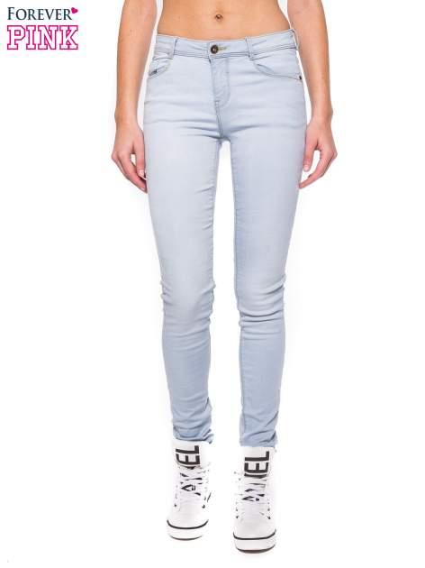 Błękitne spodnie jeansowe skinny fit                                  zdj.                                  1