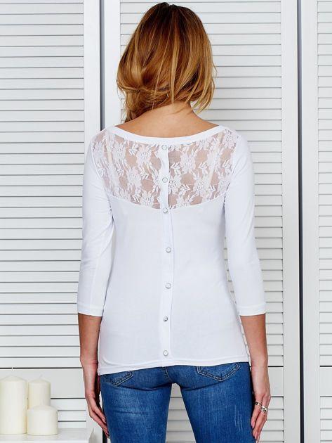 Bluzka biała z guzikami i koronką z tyłu                              zdj.                              2