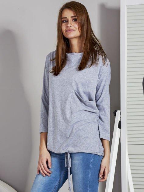 Bluzka damska oversize z kieszenią szara                              zdj.                              3