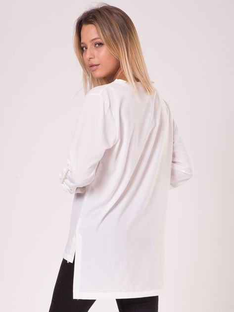 Bluzka ecru V-neck z podwijanymi rękawami                              zdj.                              6