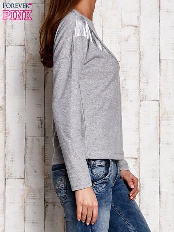 Bluzka oversize z błyszczącą wstawką szara                                  zdj.                                  3