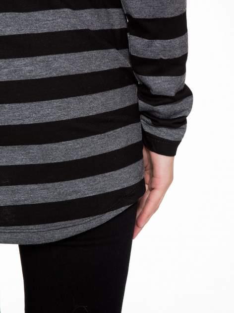 Bluzka w szaro-czarne paski z obniżoną linią ramion                                  zdj.                                  11