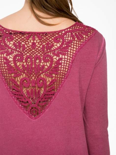 Bordowa bluza z koronkową wstawką na plecach                                  zdj.                                  8