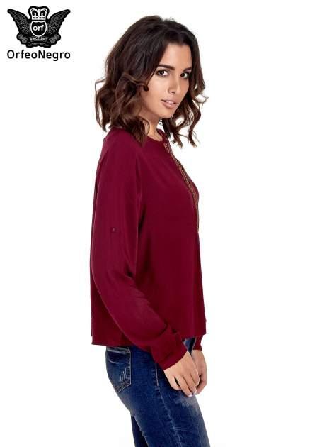 Bordowa koszula ze wzorzystą wstawką w stylu etno                                  zdj.                                  3