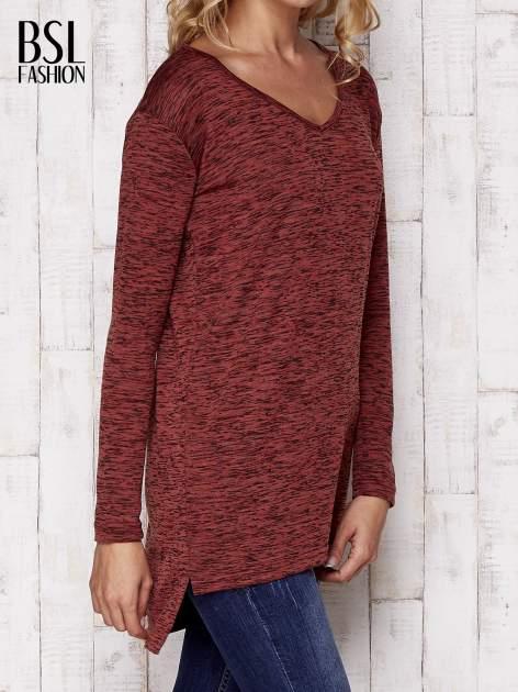 Bordowa melanżowa bluzka z przedłużanym tyłem                                  zdj.                                  3