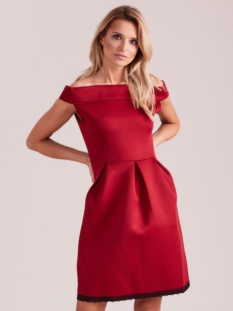 Bordowa rozkloszowana sukienka z pianki                              zdj.                              4