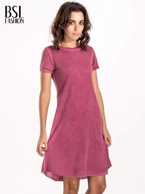 Bordowa sukienka z surowym wykończeniem                                  zdj.                                  1