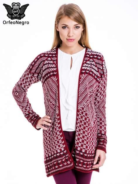 Bordowy sweter kardigan dziergany w etniczne wzory