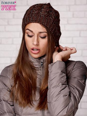 Brązowa czapka z metaliczną nicią