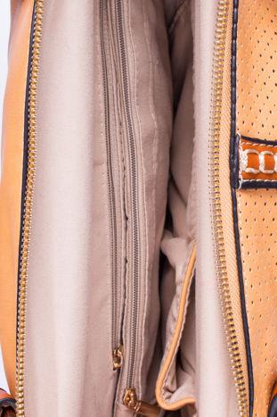 Brązowa dziurkowana torba na ramię z łańcuszkiem                                  zdj.                                  4