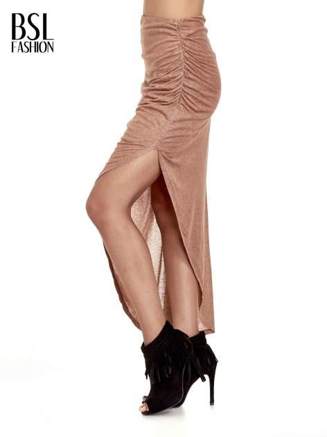 Brązowa spódnica maxi z drapowaniem i rozporkiem z boku                                   zdj.                                  9