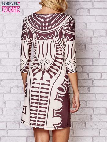 Brązowa sukienka w geometryczne wzory                                  zdj.                                  3