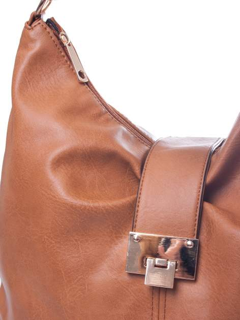 Brązowa torebka hobo z zapięciem                                  zdj.                                  3