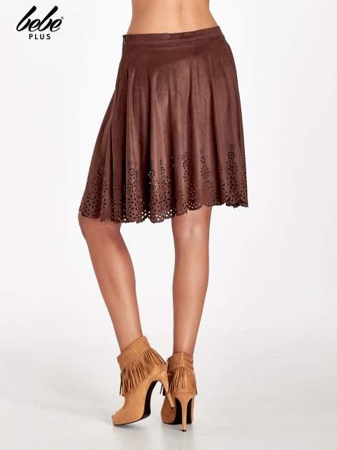 Brązowa zamszowa spódnica w stylu boho                                  zdj.                                  4
