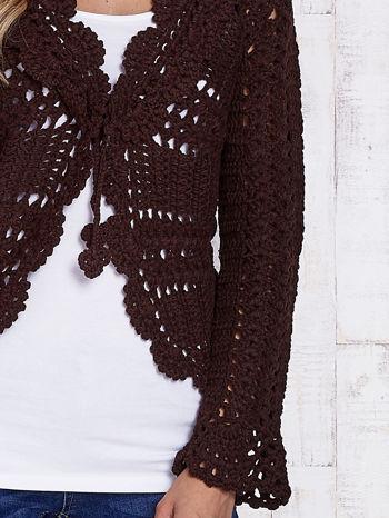 Brązowy sweter z wiązaniem                                  zdj.                                  5