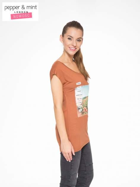 Brązowy t-shirt z nadrukiem w romantycznym stylu                                  zdj.                                  3